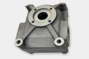 ADC10や12などのアルミダイカスト材専用に開発。高耐食性に特化したアルマイト処理。